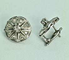 Load image into Gallery viewer, Antique Deco Old Cut Diamond Clip Earrings 18K