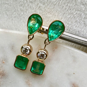 Magnificent 10.12 Carats Natural Colombian Emerald & Diamond Dangle Earrings 18K Yellow Gold