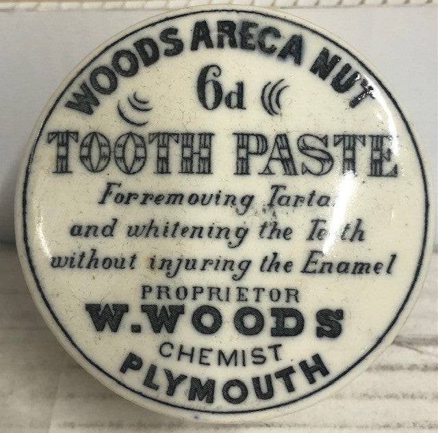 WOODS ARECA NUT 6d TOOTHPASTE COMPORT CIRCA 1890'S