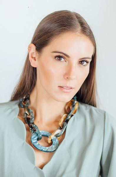 AQUA AND GOLD RESIN CHAIN NECKLACE
