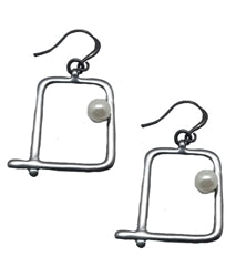 EARRINGS - SQUARE MATTE GUN METAL WITH PEARL