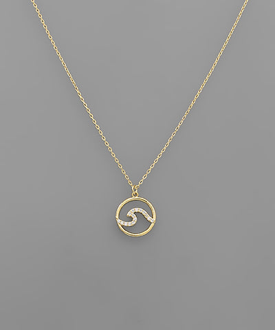 CRYSTAL WAVE CIRCLE NECKLACE