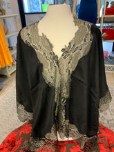 AUSTRALIAN LACE PONCHO IN BLK/GOLD