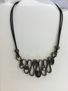 SWEET LOLA SASSY NECKLACE
