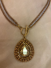 GOLD TEAR DROP CRYSTAL NECKLACE