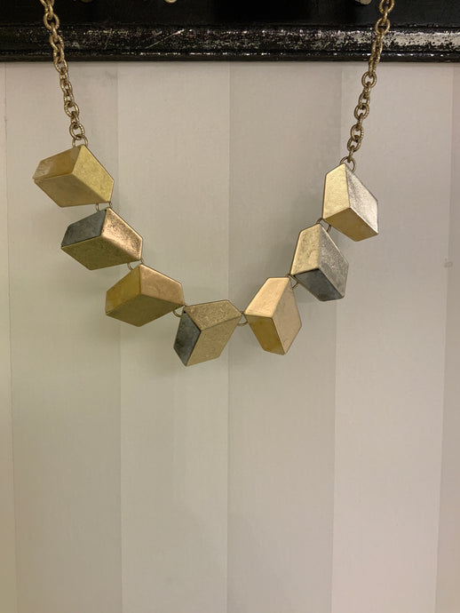 ANGLED CUBES NECKLACE