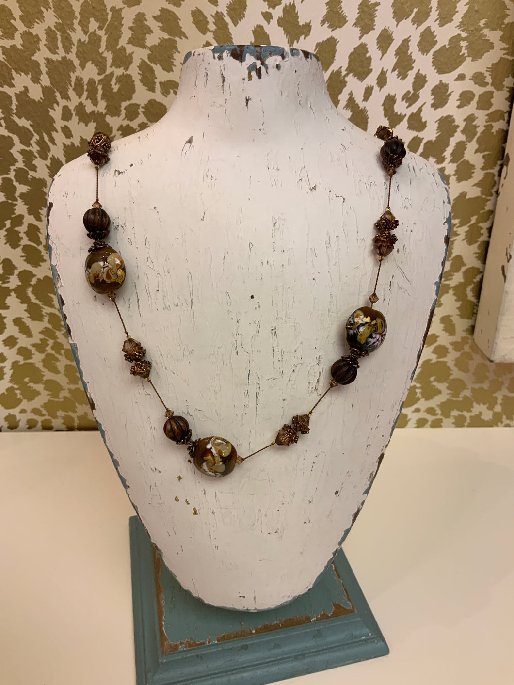 BROWN AND COPPER NECKLACE