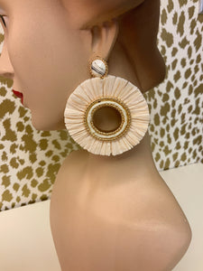 OPEN CIRCLE RAFFIA EARRINGS