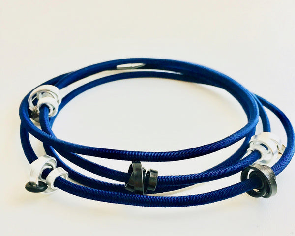 A 112cm Loopt necklace/bracelet in navy with thin silver and black coloured aluminum wire.