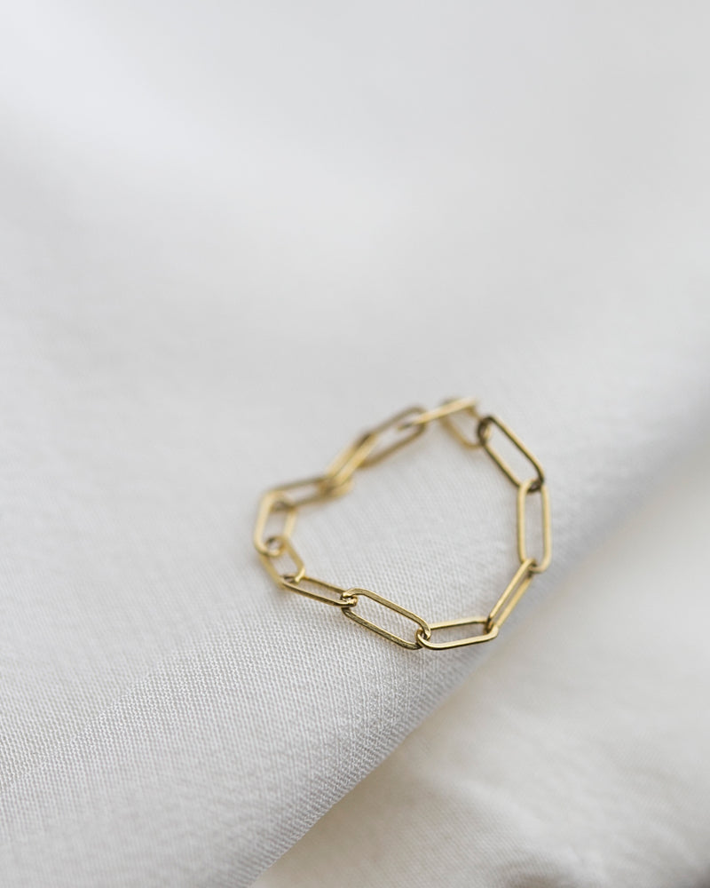 Bar Chain Ring