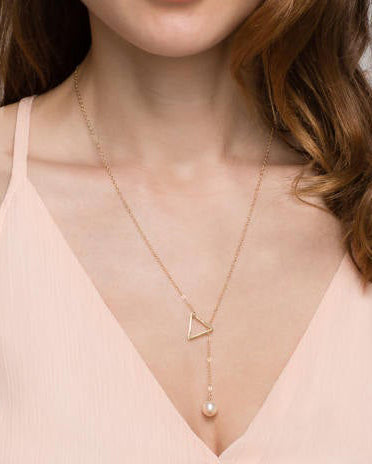 Triangle lariat necklace with Pearl