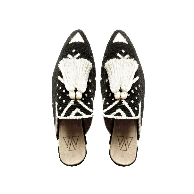 Shoes - Slippers - Black And White Mali