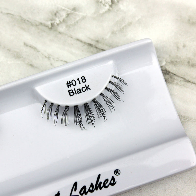018 Black bottom under lower false eyelashes