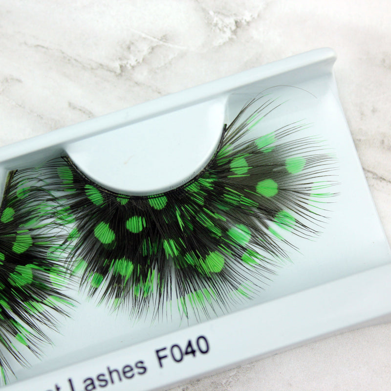 F040 Premium Feather Lashes