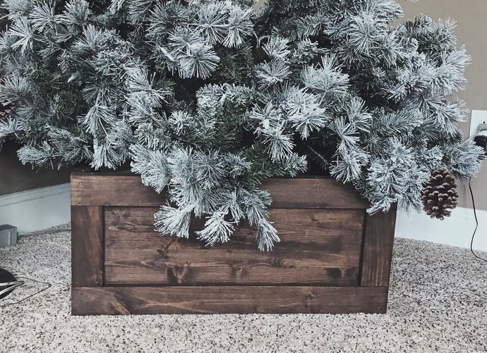 Christmas Tree Box - Ebony & White Design