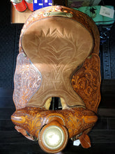 Load image into Gallery viewer, Hereford Western Saddle