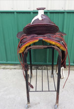 Load image into Gallery viewer, Western Roping Saddle