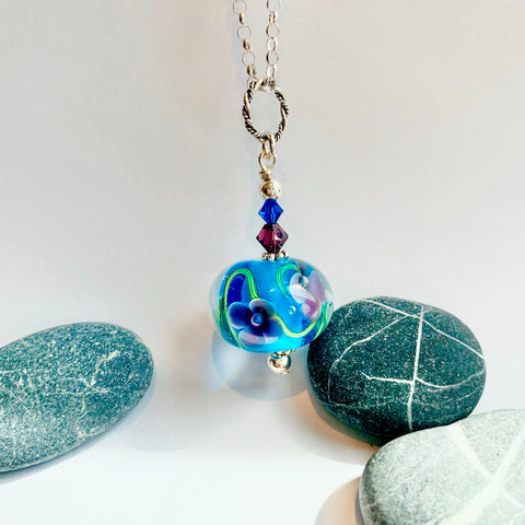 Floral pendant in Blue