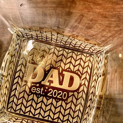 DAD EST. Date Whiskey Glass (SINGLE Glass) - Old Fashioned Whiskey Bourbon or Scotch (Tread Bottom Design)
