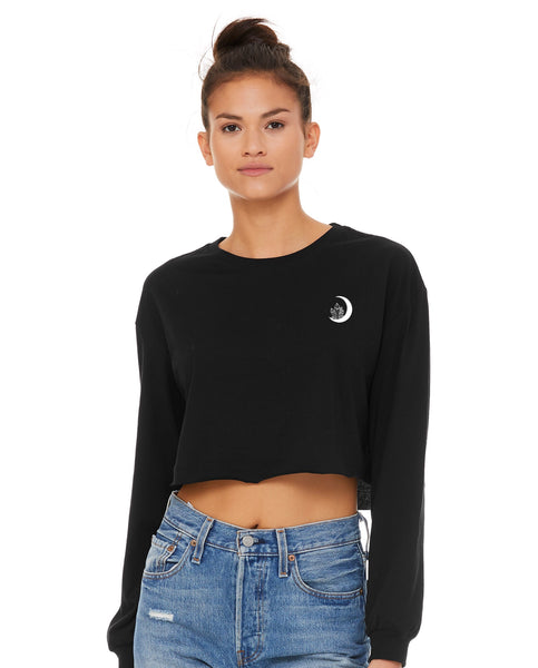 """Boss Witch"" 90s Vibes Long-Sleeve Crop"
