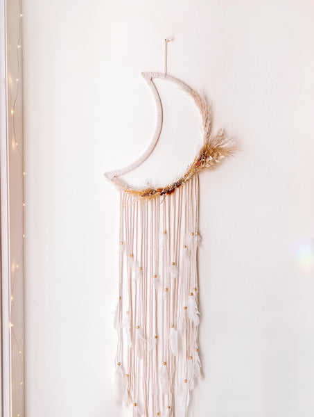 Macrame & Dried Floral Moon