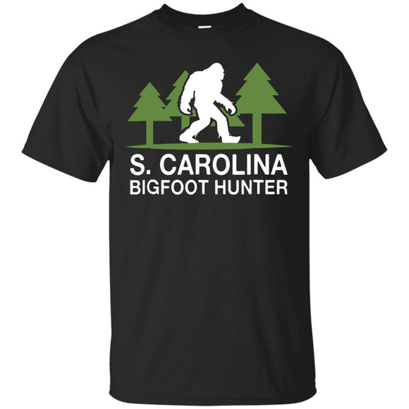 S. Carolina Bigfoot Hunter Funny Sasquatch T-Shirt T-Shirt Mugs