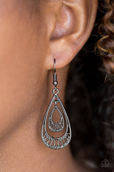 Reigned Out - Black Earrings