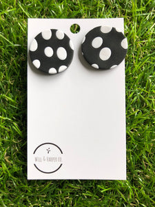 SPOTTY LOTTIE- Black large studs
