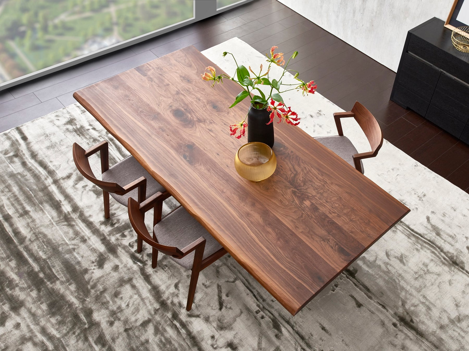 Choosing The Right Dining Table For Your Home