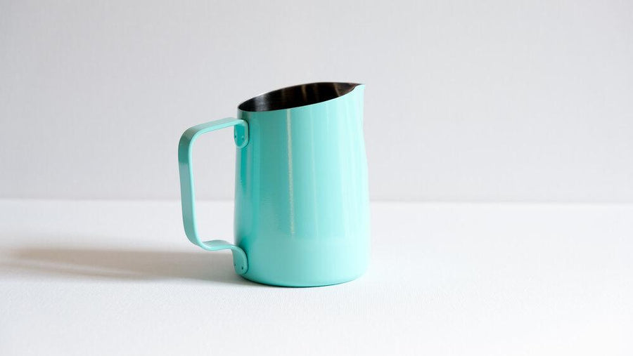 15oz TURQUOISE BLUE PITCHER WITH ROUND SPOUT