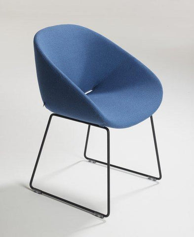 Beso Sled Base Armchair by Artifort - Bauhaus 2 Your House