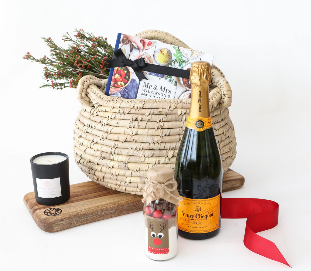 CHRISTMAS CHEER CELEBRATION BASKET