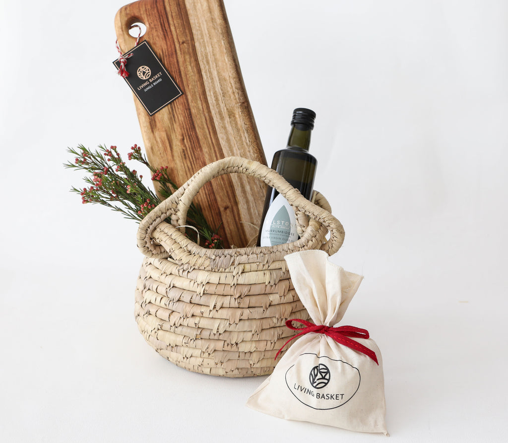 LITTLE SAINT NICK SIGNATURE BASKET