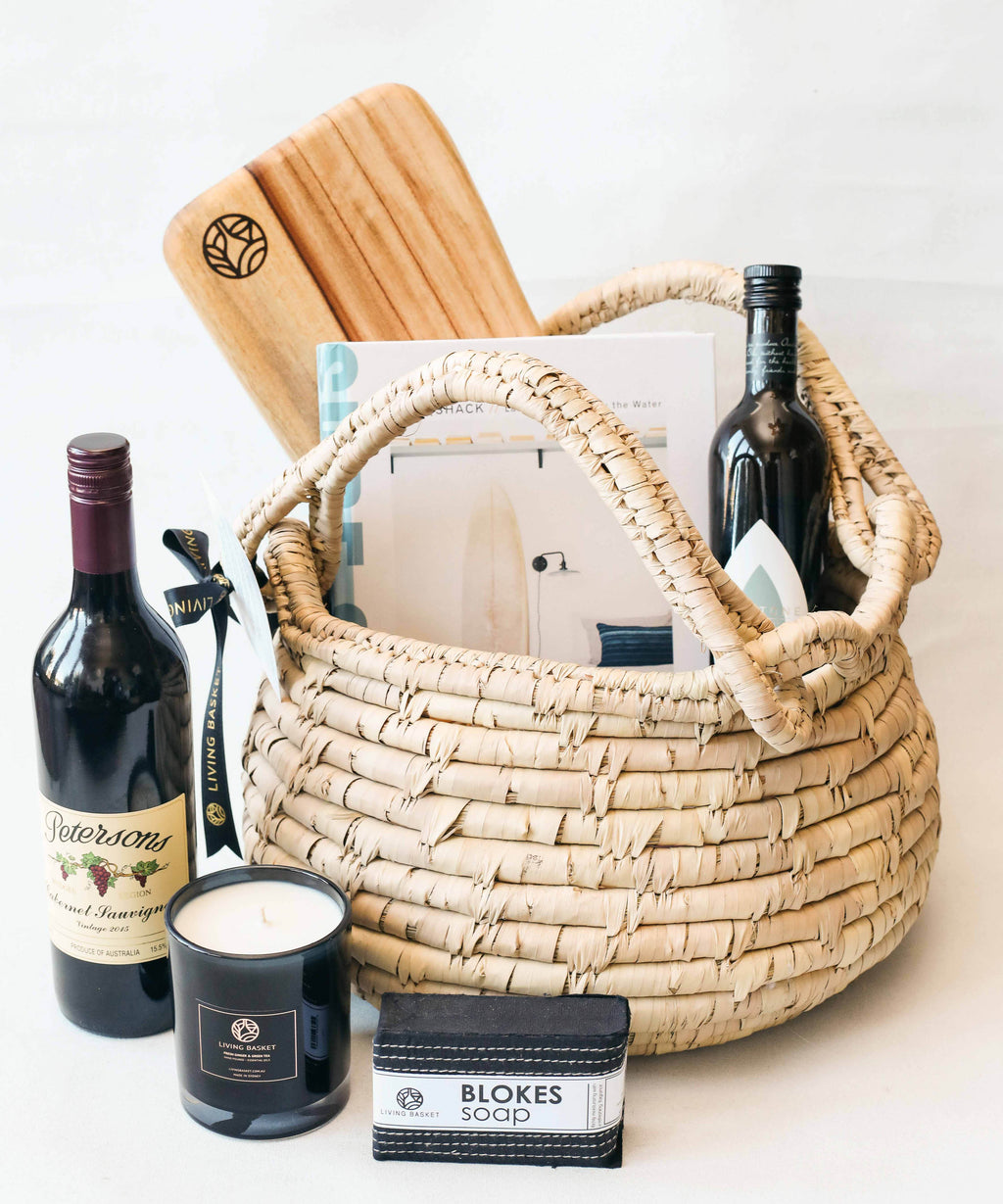 PREMIUM FAMILY BASKET WITH BOUTIQUE AUSTRALIAN WINE