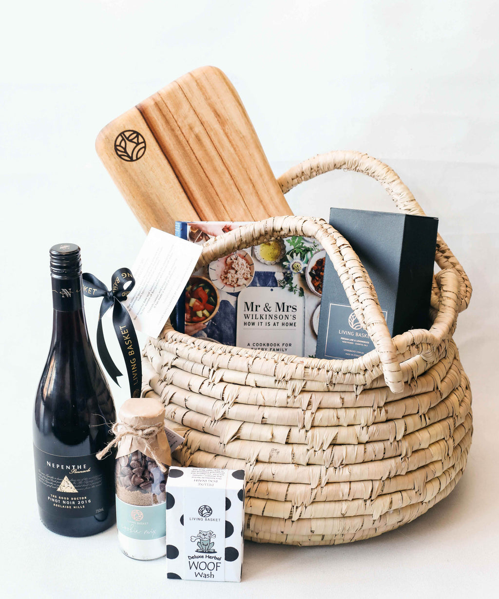 PREMIUM FAMILY BASKET WITH PET AND BOUTIQUE AUSTRALIAN WINE