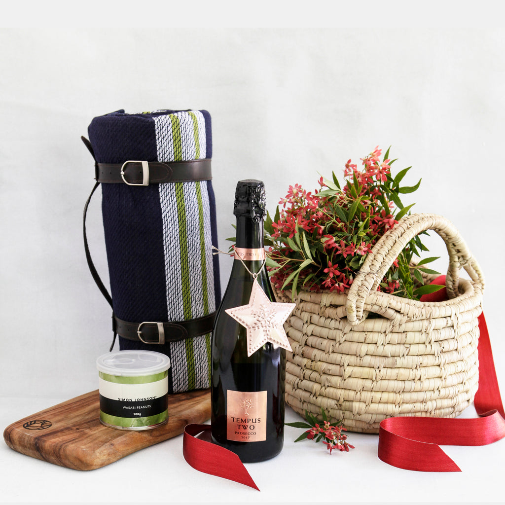 YULETIDE PICNIC SIGNATURE BASKET