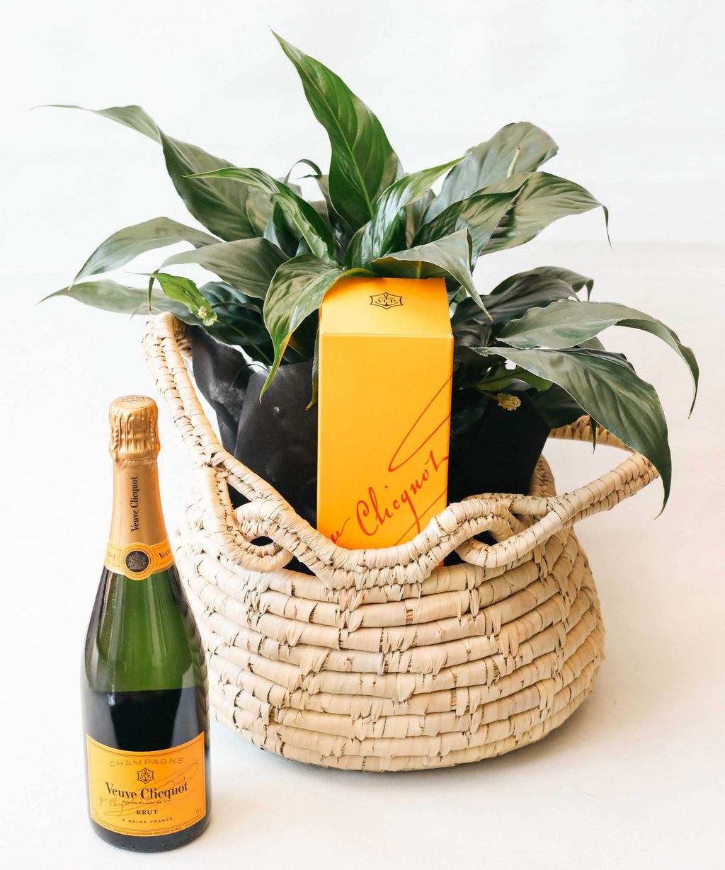 LIVING ZEST WITH VERVE CLICQUOT