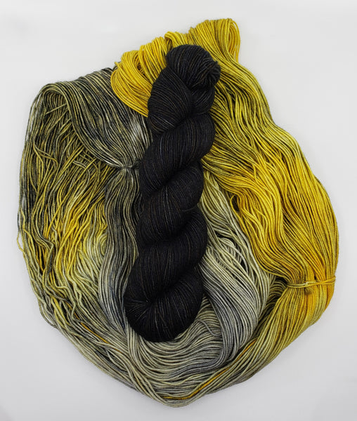 Yarn Kit - Goldfinch/Black Cat