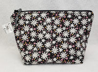 Black Daisies - Notions Bag - Crafting My Chaos