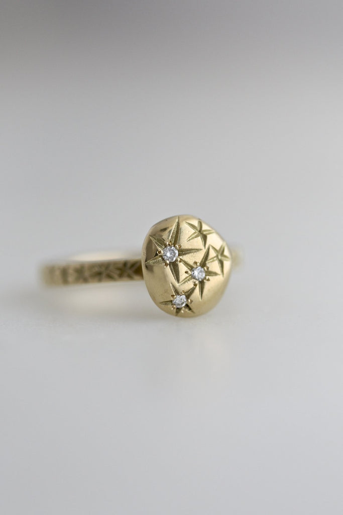 TWINKLE RING IN 18K GOLD WITH 3 DIAMONDS
