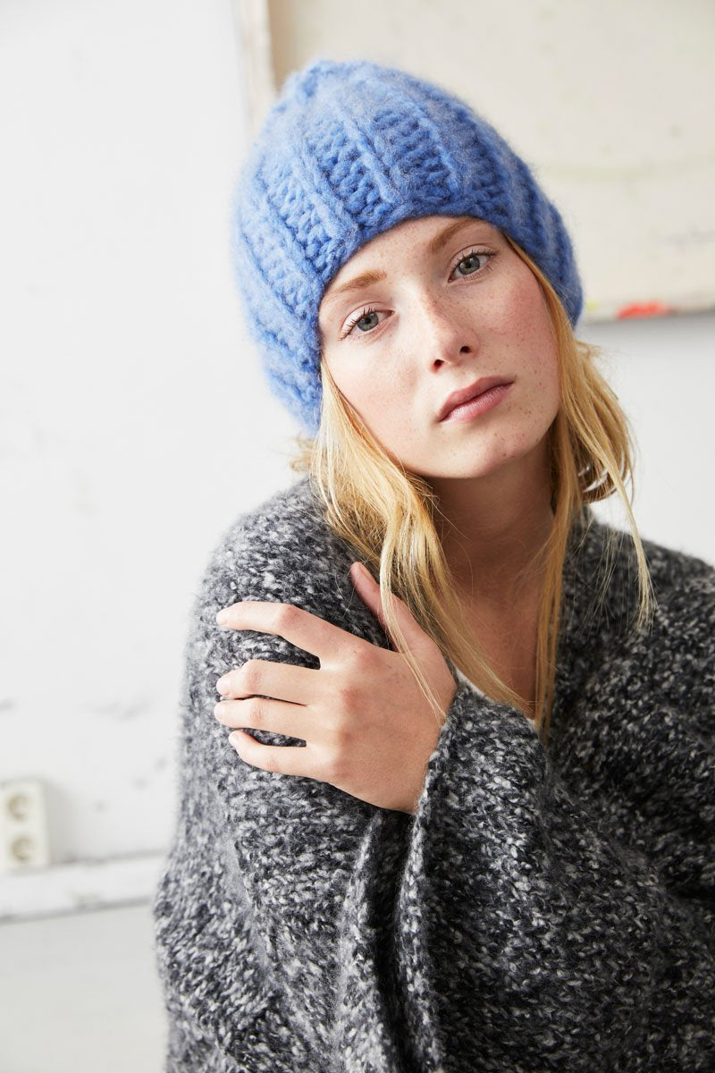 Cashmere Beanie in Aquablue