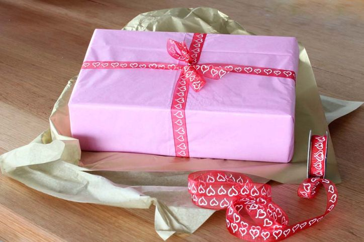 Gift Wrap for Her