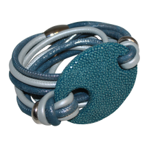 Load image into Gallery viewer, Italian Wrap Leather Bracelet With Stingray Buckle