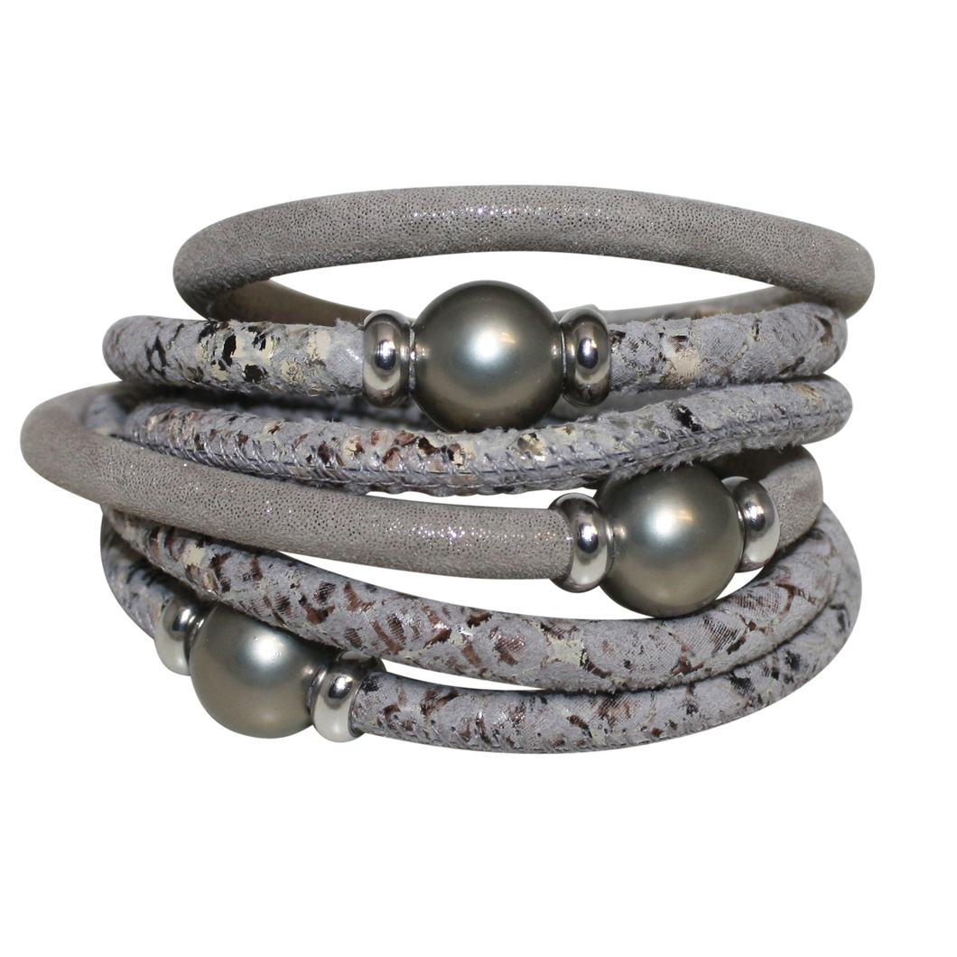 Pearl Silver Beige Snake Italian Wrap Leather Bracelet With Grey Mother of Pearl