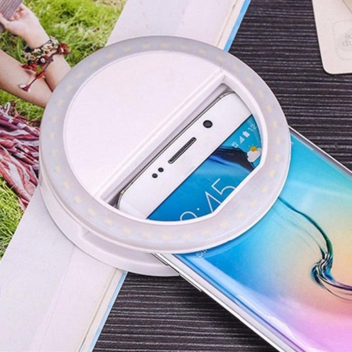 BEST SELFIE RING™ PORTABLE LED RING LIGHT FOR AMAZING SELFIE PHOTOS ON IPHONE & ANDROID
