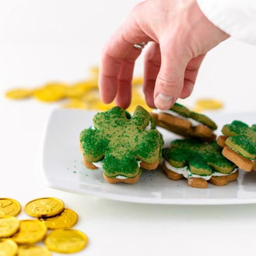 Gluten-Free Vegan St-Patrick's Day Sandwich Cookie