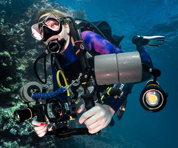 OrcaTorch D950V 10500 Lumens LED Video Light for Underwater Photography - OrcaTorch Dive Lights