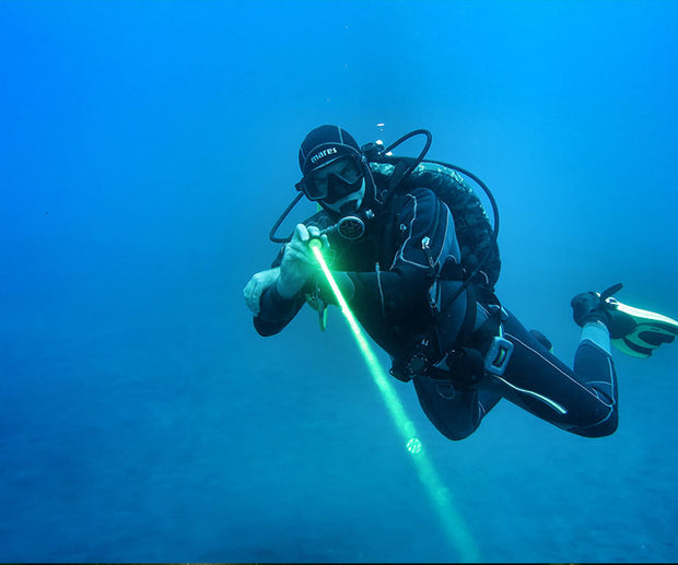 OrcaTorch D570-GL 1000 Lumens Green Laser Dive Light for Diving - OrcaTorch Dive Lights