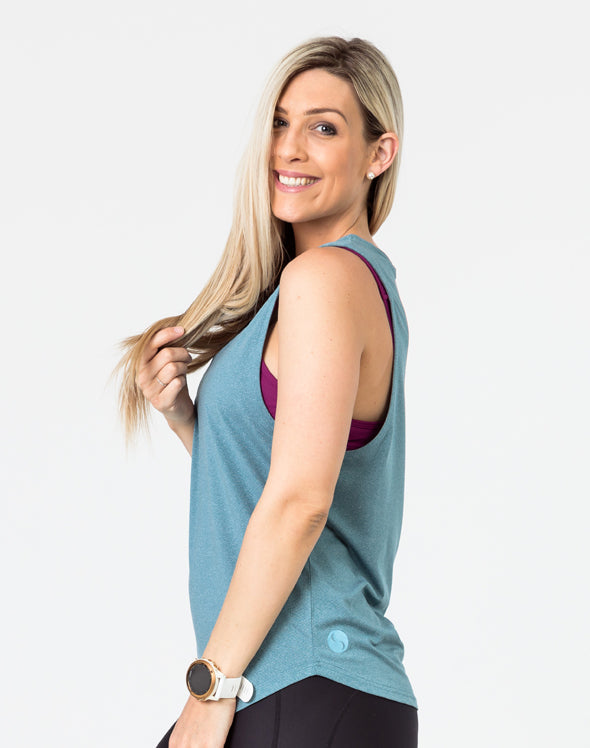 active mum wearing a willow breastfeeding top Awaken tank side view