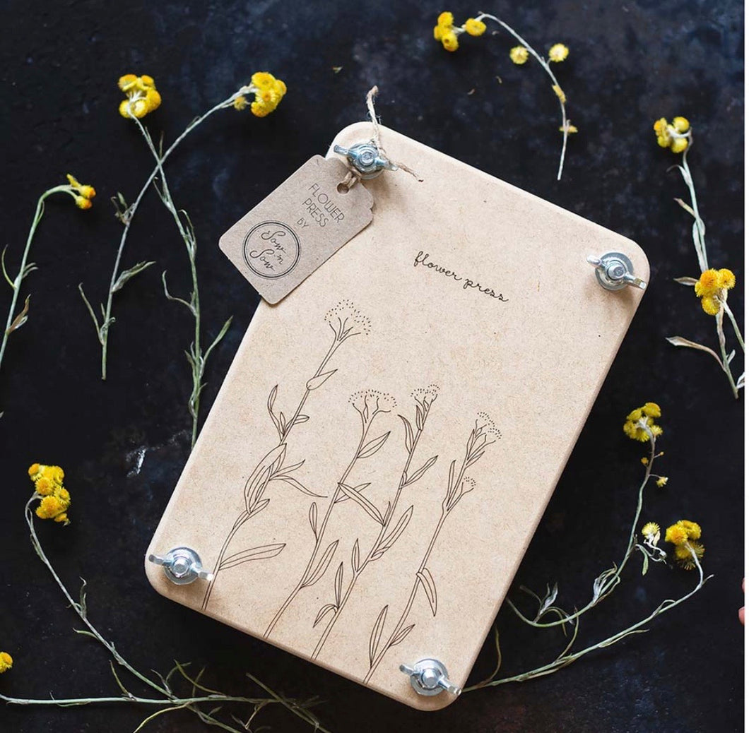 Large Flower Press - 'Billy Buttons'